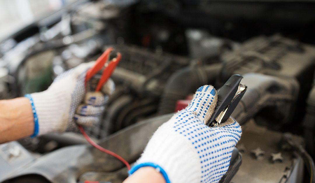 Consejos para evitar que su auto se incendie por cortocircuito
