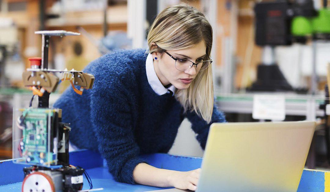 Día de la Mujer: Crece la participación femenina en la industria tecnológica