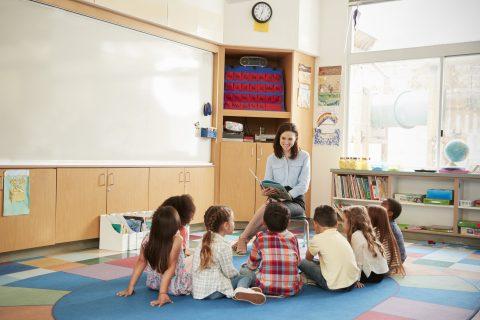 Cómo hacer una estrategia de relaciones públicas para el sector educación