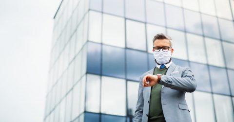 Medidas de seguridad para evitar contagios de la COVID-19 cuando vas al trabajo