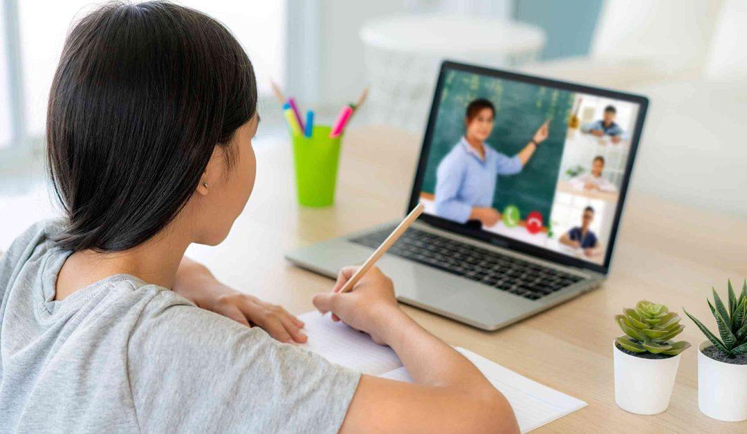 Educación virtual: La importancia de la alfabetización digital en padres y maestros