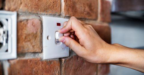 Cómo hacer un consumo responsable de electricidad durante la cuarentena